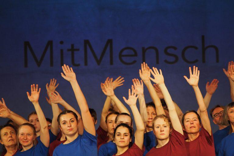 MitMensch_ © Manu Matthäus für die Nader Etmenan Stiftung